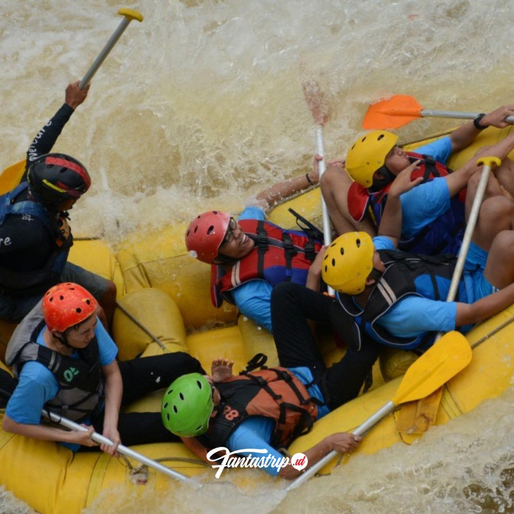 paket-wisata-fun-rafting-ciwidey-arung-jeram-bandung