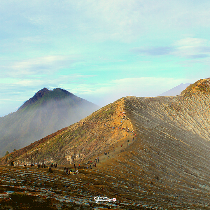wisata-open-trip-private-trip-gunung-kawah-ijen-baluran