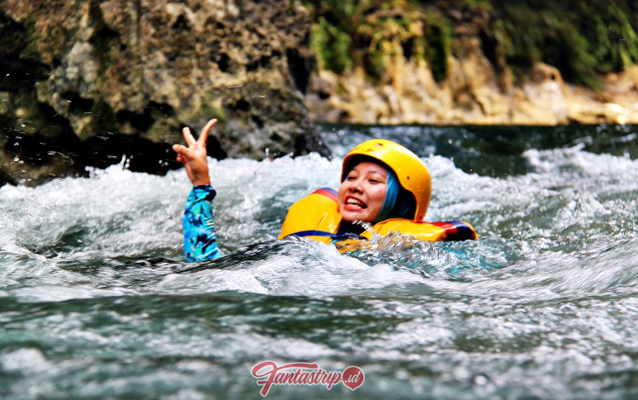 wisata-body-rafting-green-canyon-pangandaran