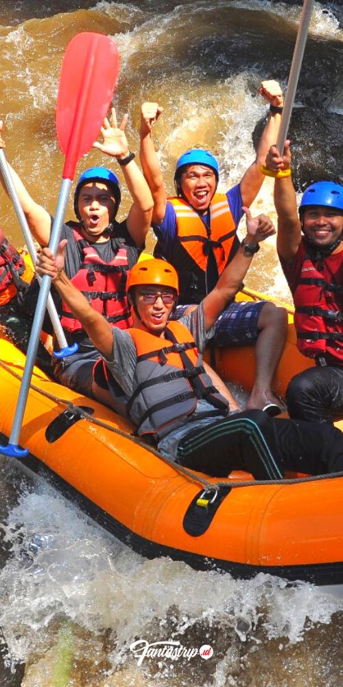 wisata-arung-jeram-kaliwatu-rafting